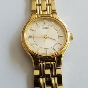 Seiko Women's Gold Tone Water Resistant Watch